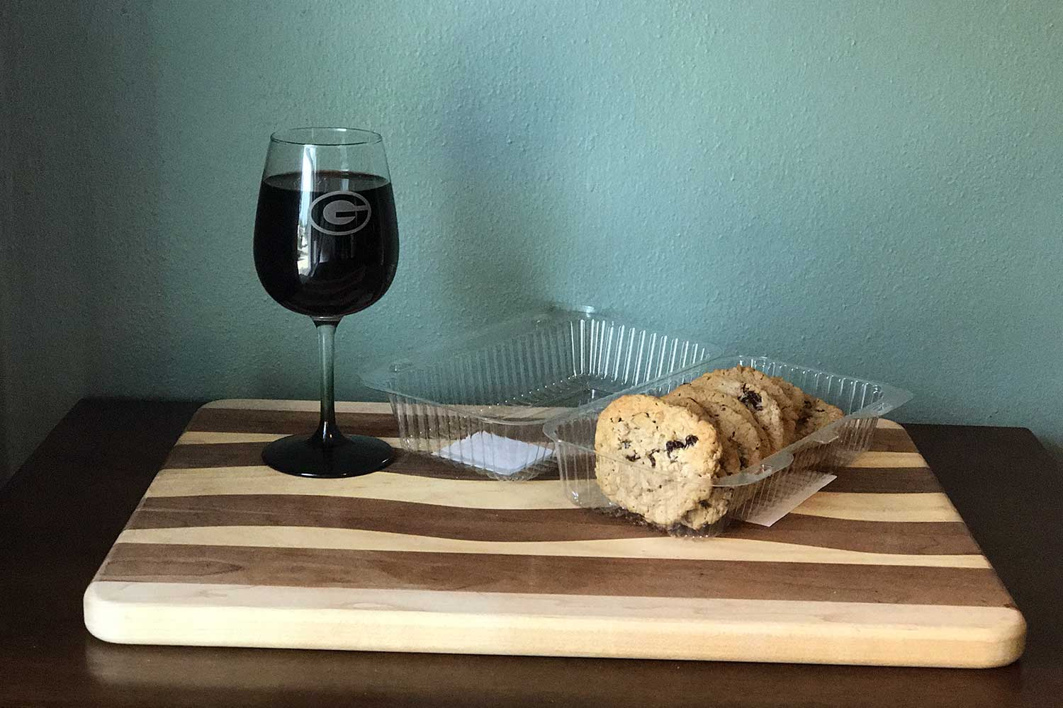 Ice Bowl wine and cookies