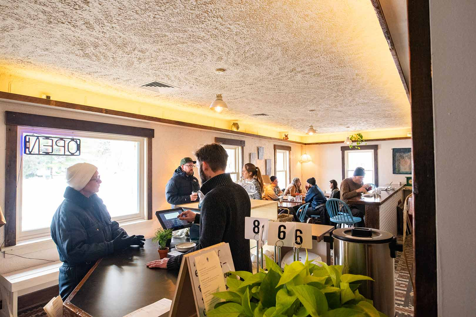 Winnebago's cafe counter